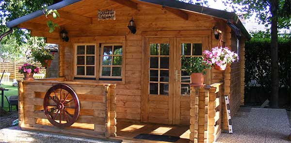 Verhuur campeggio naturista costalunga - Interieur houten chalet ...